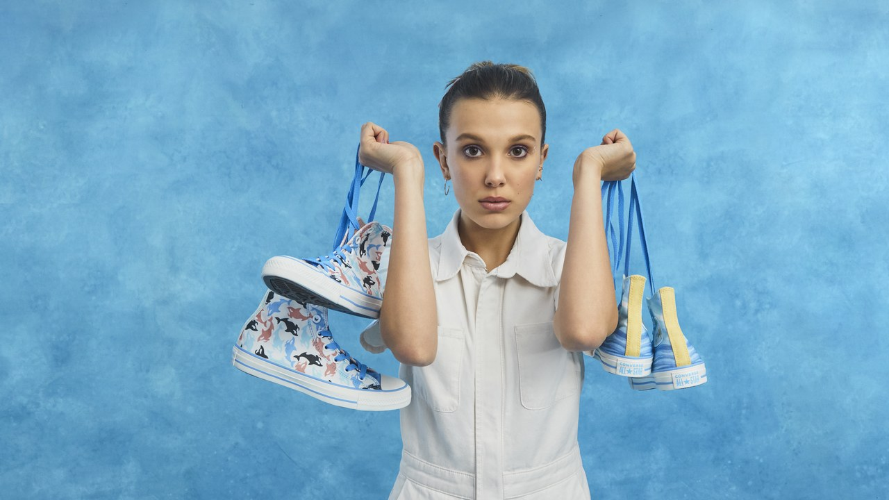 Millie Bobby Brow all star converse Sneakers - Millie Bobby Brown fala sobre Stranger Things, próximos filmes e ambientalismo